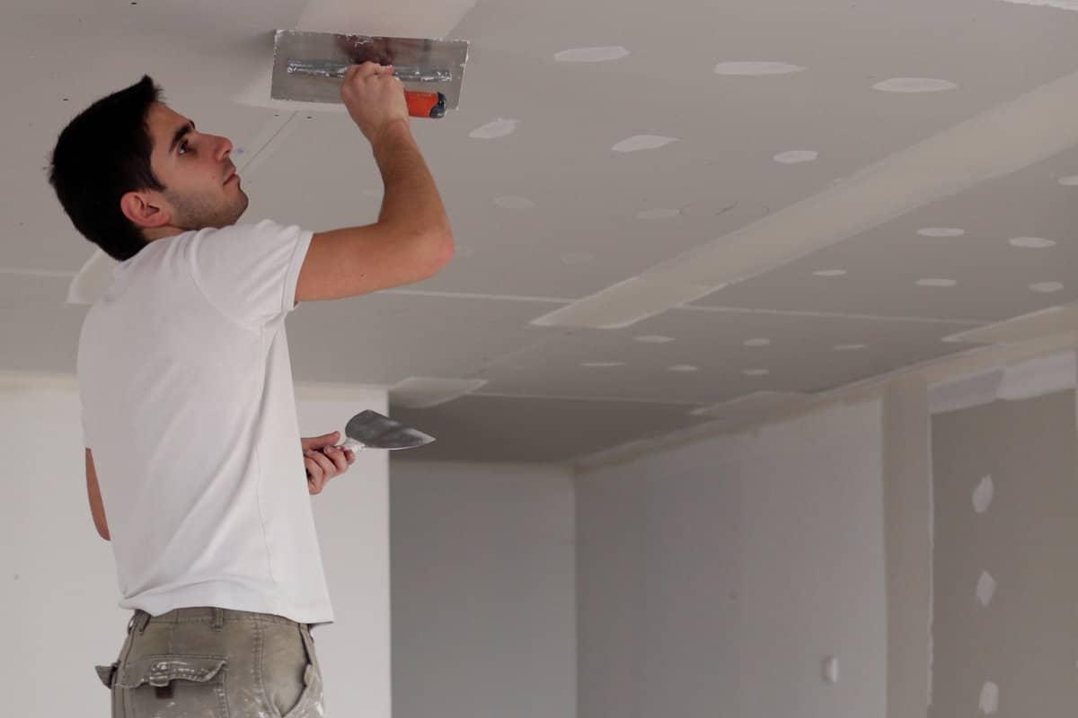 muur herstellen stappenplan om een muur behangklaar te maken. Black Bedroom Furniture Sets. Home Design Ideas